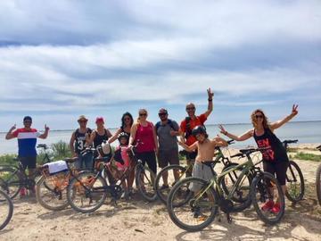 Randonnée à vélo en bord de plage